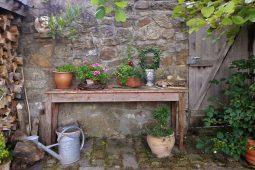 Jak zrobić stół ogrodowy?